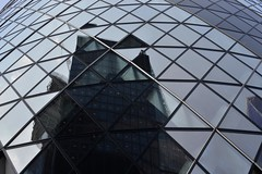 2018-07-10: Pixel View (psyxjaw) Tags: london londonist city cityoflondon work offices gherkin glass windows cutup chopped building tower