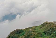 Clouds above and below (mkk707) Tags: leicar7 leicasummiluxr50mm2ndmodel11776 kodakportra400 35mmfilm film analog wwwmeinfilmlabde itsaleica tirol alpbach österreich austria vintagelens vintagefilmcamera manualfocuslens
