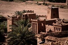 Aït-ben-Haddou (Gwenaël Piaser) Tags: unlimitedphotos gwenaelpiaser canon eos 6d canoneos eos6d canoneos6d fullframe 24x36 reflex rawtherapee aout august 2018 august2018 kingdomofmorocco royaumedumaroc maroc morocco ⵜⴰⴳⵍⴷⵉⵜⵏⵍⵎⵖⵔⵉⴱ المملكةالمغربية marokko almamlaka almaghribīya ⵍⵎⵖⵔⵉⴱ المغرب sigmaaf70200mmf28exdghsmapomacro sigma apo sigmaapo70200mmf28exdghsmmacro sigma70200mmf28 zoom sigma70200mmf28ex 70200mmf28dg 70200mmf28 apolenses aïtbenhaddou ⴰⵢⵜ ⴱⵏ ⵃⴰⴷⴷⵓ ⴰⵢⵜⴱⵏⵃⴰⴷⴷⵓ آيتبنحدّو ksar village fortifiedvillage fortified murailles présaharien douar