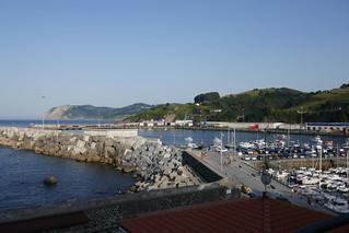 L'avant-port et le port de commerce, Bermeo, comarque de Busturialdea, Biscaye, Pays basque, Espagne.