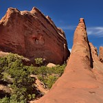 A Walk Amongst the Sandstone Fins (Arches National Park) thumbnail