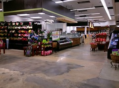 Floral/shushi/temporary deli/cheese counter (l_dawg2000) Tags: 2018remodel cordova delicatesen grocery grocerystore healthbeauty kroger labelscar marketplace meats memphis pharmacy produce remodel retail scriptdécor shelbycounty supermarket tennessee tn trinitycommons cordovamemphis unitedstates usa