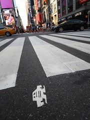 Short Stikman White Robot Tile Tmes Square NYC 7078 (Brechtbug) Tags: a return stikensian era white robot tile stikman broadway times square nyc street art graffiti tag tagging stencil cut out toynbee stickman asphalt figurative school flat action figures new york city 08102018 cross walk smoke 2018 stik man men curious streets summer heat august