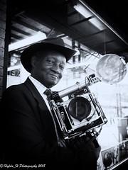 Louis Mendes (Hylda_H) Tags: bw hyldah portret street press legend