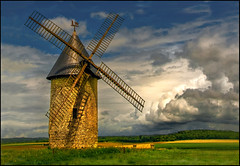 The Vision of Don Quichotte  - Moulin de Largny (angelofruhr) Tags: mühle moulin france frankreich wolken largny