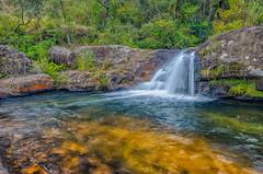 Cachoeirinha antes da queda (mcvmjr1971) Tags: vermelho cachoeira do juju baependi parque estadual da serra papagaio minas gerais nikon d7000 mmoraes waterfall 2018 viagem rural