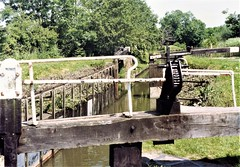 Garston Lock, Theale. (Chris the coal.) Tags: garston lock theale kennet navigation turfsided slate gwr