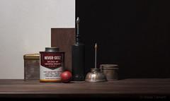 Never-Seez (Josep Tamarit) Tags: ampolles bodegó estudi caixes cesitrelles pots stilllife
