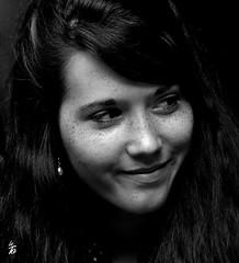 DSC_2003 - Portrait (Le To) Tags: nikond5000 noiretblanc nerosubianco bw monochrome portrait ritratto femme visage face