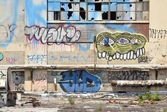 1LOVE SEPTIC YLD (TheGraffitiHunters) Tags: graffiti graff spray paint street art colorful pa pennsylvania philly philadelphia bando abandoned building 1love septic yld rooftop