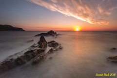 Sunrise. (LE) (Ernest Bech) Tags: catalunya girona costabrava altempordà llançà capras mar sea rocks roques landscape longexposure llargaexposició llums lights sortidadesol albada sunrise estiu summer