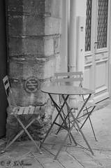 Les rêveries photographiques d'un promeneur solitaire 009 (letexierpatrick) Tags: noiretblanc noir blanc noirblanc black white bw blackandwhite nikon nikond7000 paris france europe extérieur explore rue