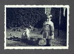 i gemelli a Vicenza - autunno 1936 (dindolina) Tags: italy italia veneto vicenza garden giardino 1936 1930s annitrenta thirties vintage family famiglia vignato twins gemelli history storia