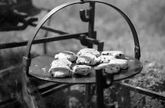 Faces At Fort Erie (Alex Luyckx) Tags: forterie ontario canada oldforterie siegeofforterie people faces reenactors reenactment warof1812 canadianhistory americanhistory soldiers regiments militaryhistory history parksniagara nikon nikonf5 slr 35mm 135 afsnikkor70200mm128g rollei macodirect rpx100 asa100 kodak kodakd76 stock 10 d76 bw blackwhite epsonv700 adobephotoshopcc film filmphotography believeinfilm filmisalive filmisnotdead rolleianalog