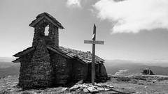 Ermita de San Donato (jumaro41) Tags: iglesia basilica navarra arquitectura fascinante edificio senderismo monte naturaleza paseo ermita negro y blanco