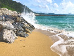 I could listen to the sound of crashing waves for hours (chicadecasa) Tags: break summer crashing waves japan okinawa beach nago instagram