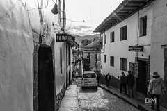 A la lau! (Davo Marto) Tags: streetphotography travelling culture perú latinoamérica canon travel blackwhitephotography people cusco turismo cityscape sudamérica urbanphotography calle downtown