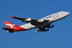 VH-OEF Qantas Boeing  B747-438(ER) (johnedmond) Tags: perth ypph westernaustralia qantas b747 queenoftheskies boeing jumbo australia aviation aircraft aeroplane airplane airliner flyingkangaroo plane sel55210 55210mm ilce3500 sony speciallivery oneworld