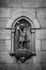 Universal Orlando - House Elf Statue (Greg Larro Photography) Tags: diagonalley diagon alley london uk wizardingworld wizard witch jkrowling wb warnerbros warnerbrothers harrypotter fantasy themepark park attraction fun magic magical statue houseelf elf stone