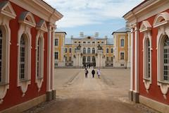 Pałac w Rundāle (jacekbia) Tags: europa łotwa latvia pałac rundāle architecture architektura building budynek zabytek historicalplace canon 1100d