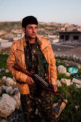 IMG_7636.jpg (Reportages ici et ailleurs) Tags: kurdistanirakien urbanwar kurdes sinjar pkk yezidis peshmerga battle city yekineyenberxwedanshengale ybs guerre shengal ezidis guerreurbaine yannrenoult fight bataille war isis hpg ypg yjastar etatislamique montagne guerilla kurd ville yekineyenparastinagel mountain
