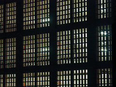 Parkhaus Speicherstadt (Torsten schlüter) Tags: deutschland hamburg backstein kunstlicht nacht speicherstadt gegenlicht olympus 75mm 2018