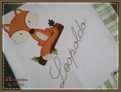 046 (Joanninha by Chris) Tags: handmade artesanato feitoamao bordado tecido aplicaçaodetecidos enxovalbebe enxovalmenino bebe baby raposa bichinhos fox cueiro cueiroflanela