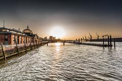 sunrise (Fotos aus OWL) Tags: hamburg hafen fischmarkt landungsbrücken hafenhamburg elbe