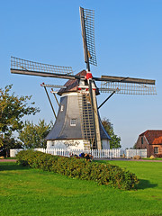 Old restored 'Holland' type windmill with a rotatable cap, built 1748 (Manfred_H.) Tags: architecture gebäude building landwirtschaft farming mills windmills windmühlen holländermühlen erdholländer hollandtype historic