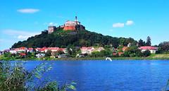 Tóparti panoráma háttérben a várheggyel (Güssing, Ausztria) (milankalman) Tags: lake blue summer castle landscape austria
