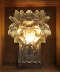 Lily lamp - The Glass Church (Monceau) Tags: renélalique lily light glasschurch stmatthewschurch jersey millbrook lalique