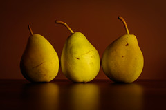 _IMG0438 (angel.doychinov) Tags: smc pentaxm 50mm smcpm50mmf14 pentaxart к1 stilllife fruit pears poires naturemorte manualfocus vintagelens