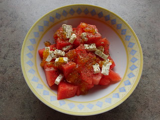 Watermelon salad with feta, mango chutney and mixed pepper / Wassermelonensalat mit Feta, Mango-Chutney und Pfeffermix