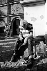(JarHTC) Tags: fujifilm xe2 samyang12mm people fatigue homeless