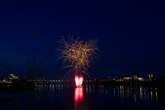 100A1008 (CdnAvSpotter) Tags: 2018 aug 4 casino lacleamy sound light fireworks les grand feux ottawa river nightphotography long exposure spain