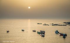 Golden sunset (Ignacio Ferre) Tags: oia galicia españa spain harbour puerto port sunset puestadesol gold dorado boat barca agua water océanoatlántico atlanticocean ocean mar sea nikon light bote océano serenidad bahía sol sun