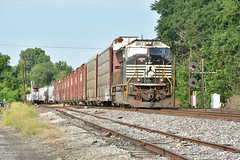 Highballing out of Lenox. (Machme92) Tags: ns norfolksouthern norfolk railroad railfanning railroads railfans american emd freight rails rail row railroading railfan railyard