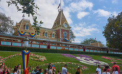 Main Street Train Station and Floral Mickey (Will Gearhart) Tags: disneyland dlrr trainstation