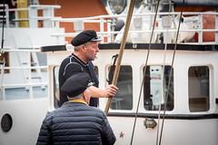 Marins (Chrisar) Tags: angénieux70210 bateau nikond750 sailor marin