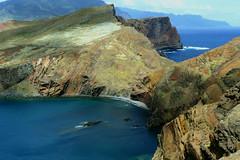 At the end of the earth (Le.Patou) Tags: portugal madère madeira mer sea ocean rock rocks rocher rochers bleu blue shore falaise presqu'ile cap cliff peninsula cape mar precipício península capa fz1000