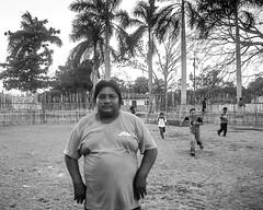 Un retrato en el ruedo (Marcos Núñez Núñez) Tags: portrait retrato ruedo maya blackandwhite bw streetphotography niños children quintanaroo mexico zonamaya streetportrait