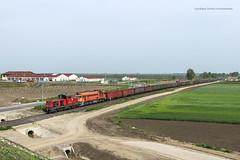 409 002 A-RCC & 628 145 H-START (...síneken a vonat) Tags: 150506 m43 m43epites strada sztráda autópályaépítés 409002rcc 409002 arcc locationmako mako makó 628145 628145start m62145 railline railroad bahn eisebahn luganszk mav mozdony máv rail railway szergej tehervonat train tren trenur trenuri vasút vlacik vlak vlaky vonat zeleznice h hungarianrailways hstart hungarianrailway locomotive line130 railline130 railcargocarrier