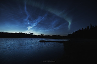 First auroras of the season 2018-2019 with noctilucent clouds