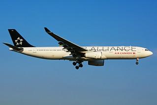 C-GHLM (Air Canada - Star Alliance)