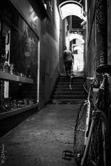 Accès limité (zmi66 - ZMIphoto) Tags: leicaq light portrait romand romandsuisse art people raw show trip street switzerland noir summer monochrome black lausannecité blanc blackandwhite test été white