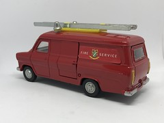 Dinky Toys - Number 271 - Ford Transit Fire Appliance - Miniature Diecast Metal Scale Model Emergency Services Vehicle (firehouse.ie) Tags: models model metal miniatures miniature feuerwehrwagen feuerwehrauto feuerwehr fordtransit fords emergency department dept coche car binnsroad bombeiros bomberos brandweer brigade apparatuses apparatus appliances appliance fire van transit ford dinky