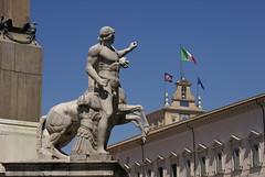 Roma 2011 -  Fontana dei Dioscuri - 632 (enzo.abramo) Tags: fontana dioscuri obelisco quirinale palazzo presidente repubblica italiana roma italia capitale città eterna piazza