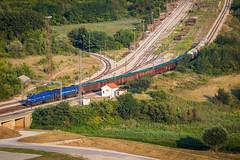 HZ two 2062, Knin (josip_petrlic) Tags: train croatian railways railway railroad hž hz hrvatske željeznice željeznica železnice zeljeznice eisenbahn karavela 2062 2063 emd gt26cw2 g26c dellok diesel locomotive electric 1141 sunrise