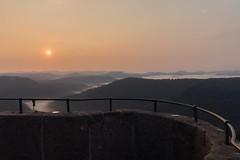 Sonnenaufgang Luitpoldturm (leviranger) Tags: sonnenaufgang pfalz palatinate pfälzerwald mittelgebirge luitpoldturm bäume wald landscape canon eos 80d landschaft nebel himmel