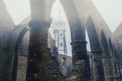Le sémaphore vu de l''intérieur de l'Abbaye (josettegoyer) Tags: bretagne finistère france pointestmathieu abbaye ngc plougonvelin sémaphore